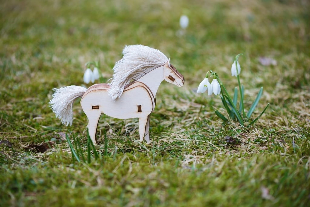 Laser Cut Horse 3,8 mm Plywood DXF File