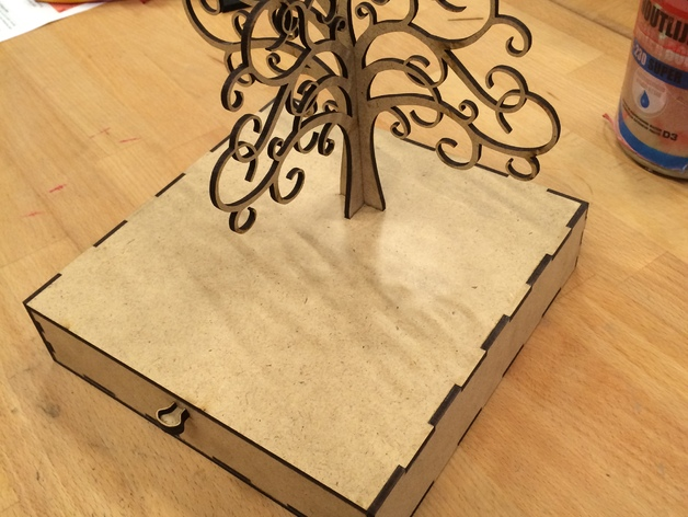 Laser Cutting Jewelry box with earring tree PDF File