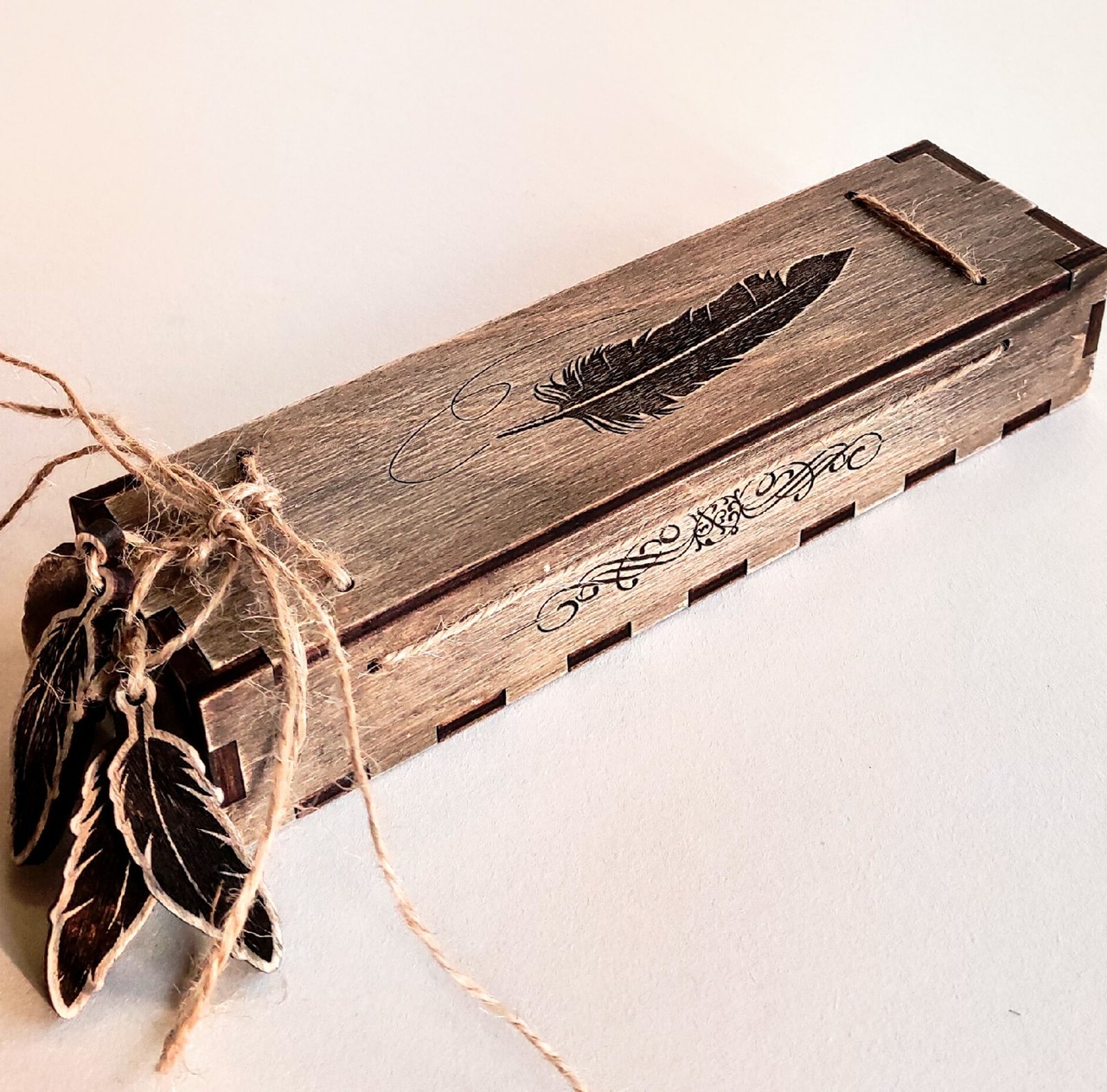 Laser Cut Decorative Wooden Pen Gift Box With Engraving Free Vector