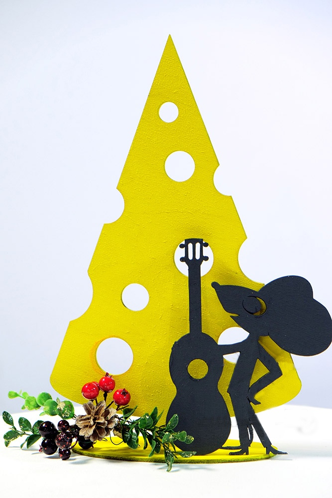 Laser Cut Mouse with Guitar Free Vector