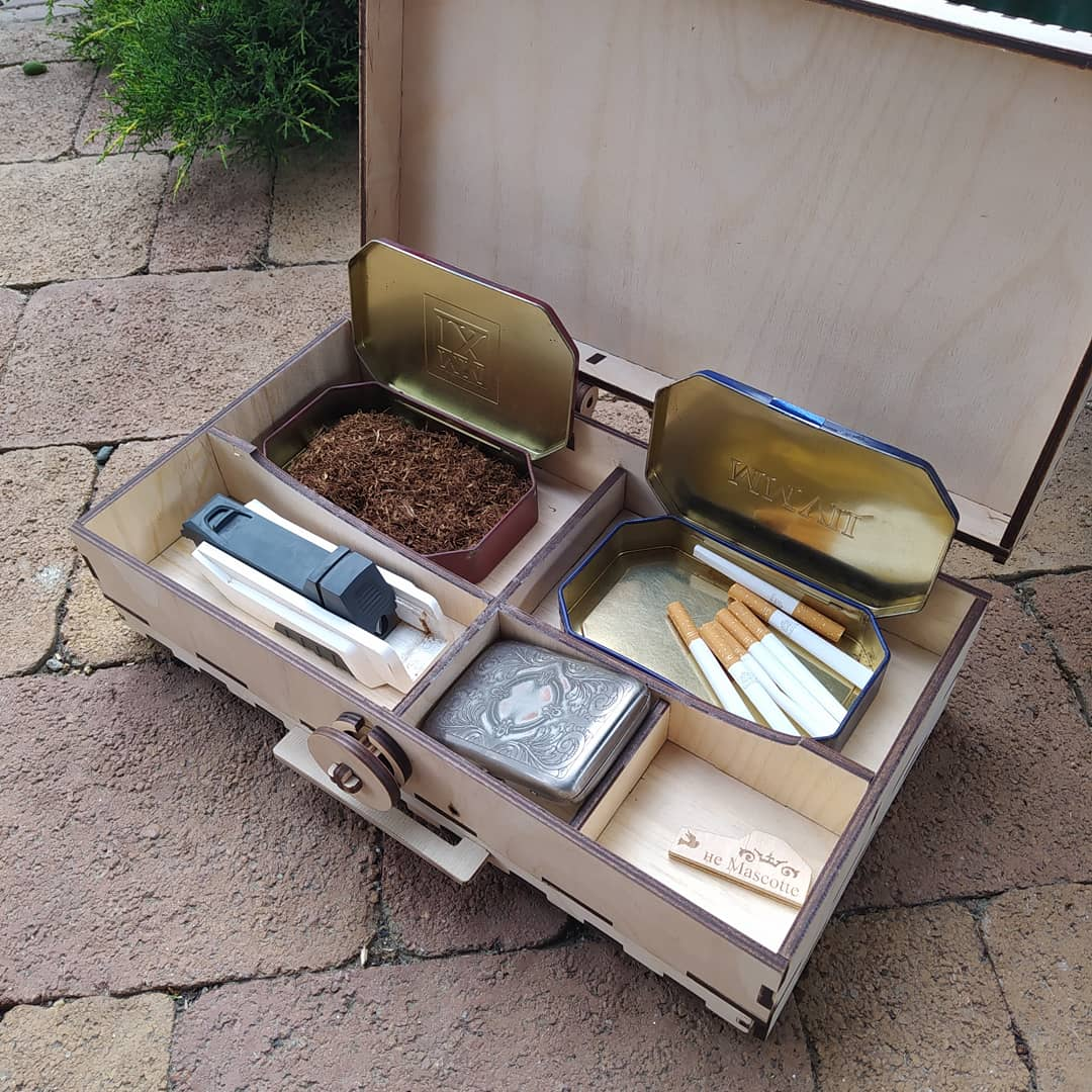 Laser Cut Smokers Kit Wooden Compartment Box With Lid 6mm Free Vector