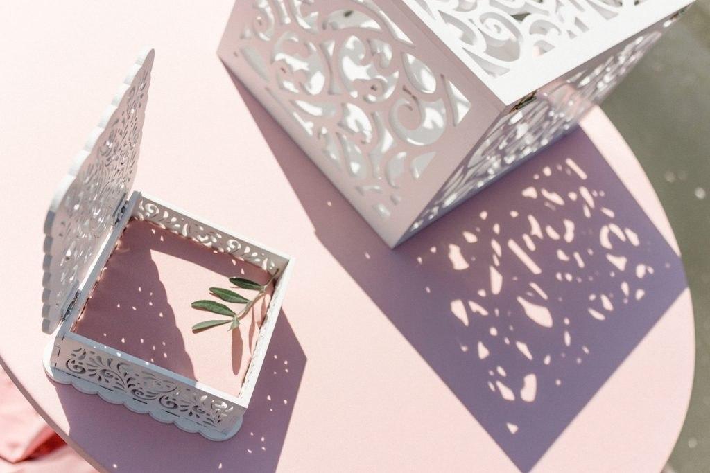 Wedding Box for Money Free Vector
