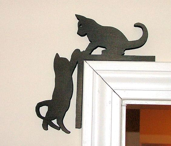 Cute Kitten Door Topper Free Vector