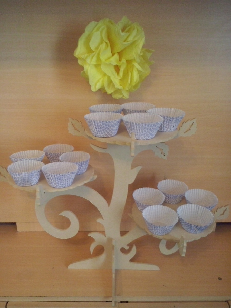 Laser Cut Cupcake Stand like Tree Branches Free Vector