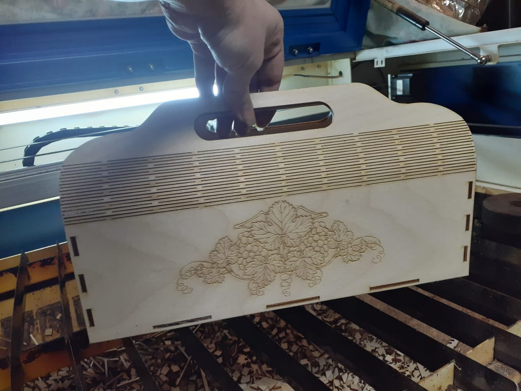 Laser Cut Plywood Wine Clutch Bag Wine Purse Free Vector