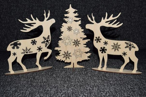 Deer At Christmas Tree Laser Cutting Plans CNC File Free Vector