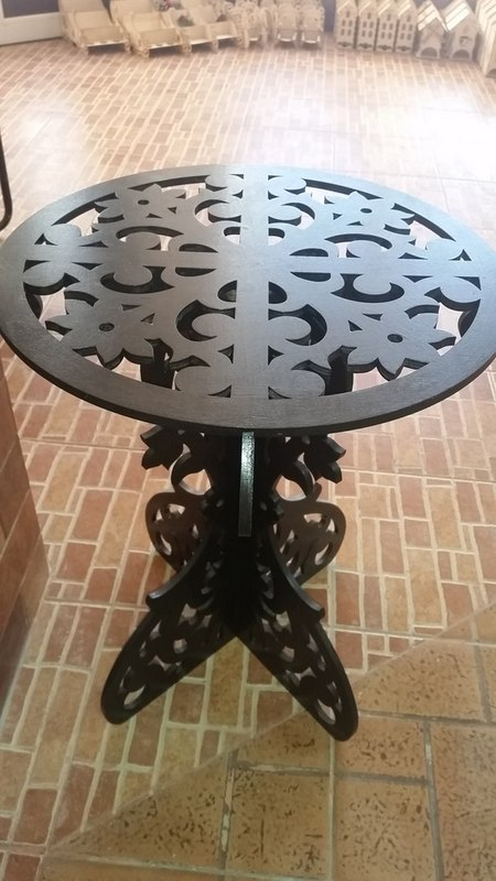 Wooden Round Table DXF File