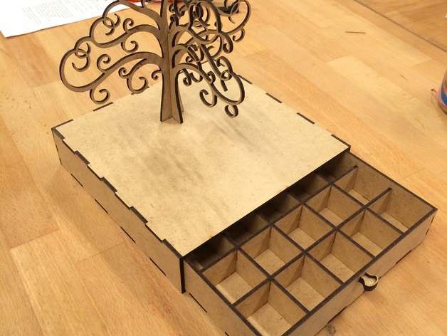 Jewelry box with earring tree Laser Cut SVG File
