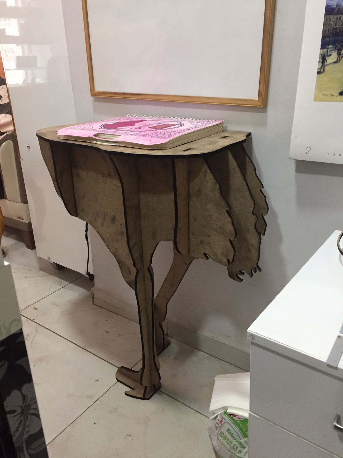 Ostrich Console Side Table Free Vector
