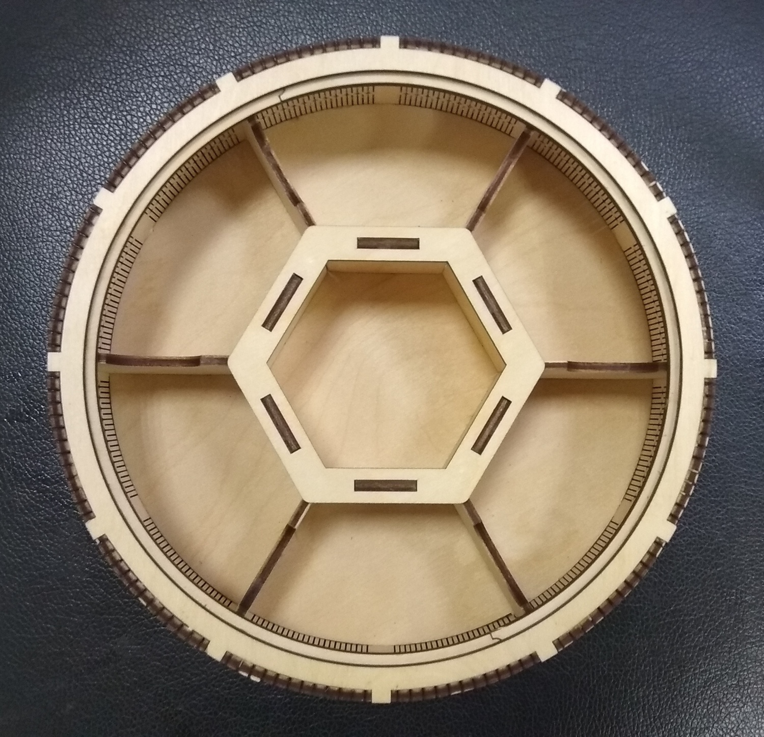 Laser Cut Wooden Round 7 Compartment Box Candy Basket With Lid Free Vector